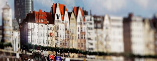 Düsseldorfs facettenreiche Uferpromenade wartet darauf von Ihnen entdeckt zu werden. Das knapp 16m lange Panorama, welches das Herzstück unseres Messestandes bildet, lädt Sie auf eine virtuelle Rheintour ein. Es hat...